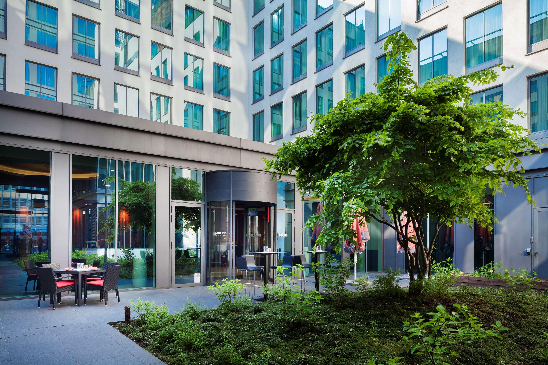 Hotels in Brussels, Gare du Midi Station | Park Inn