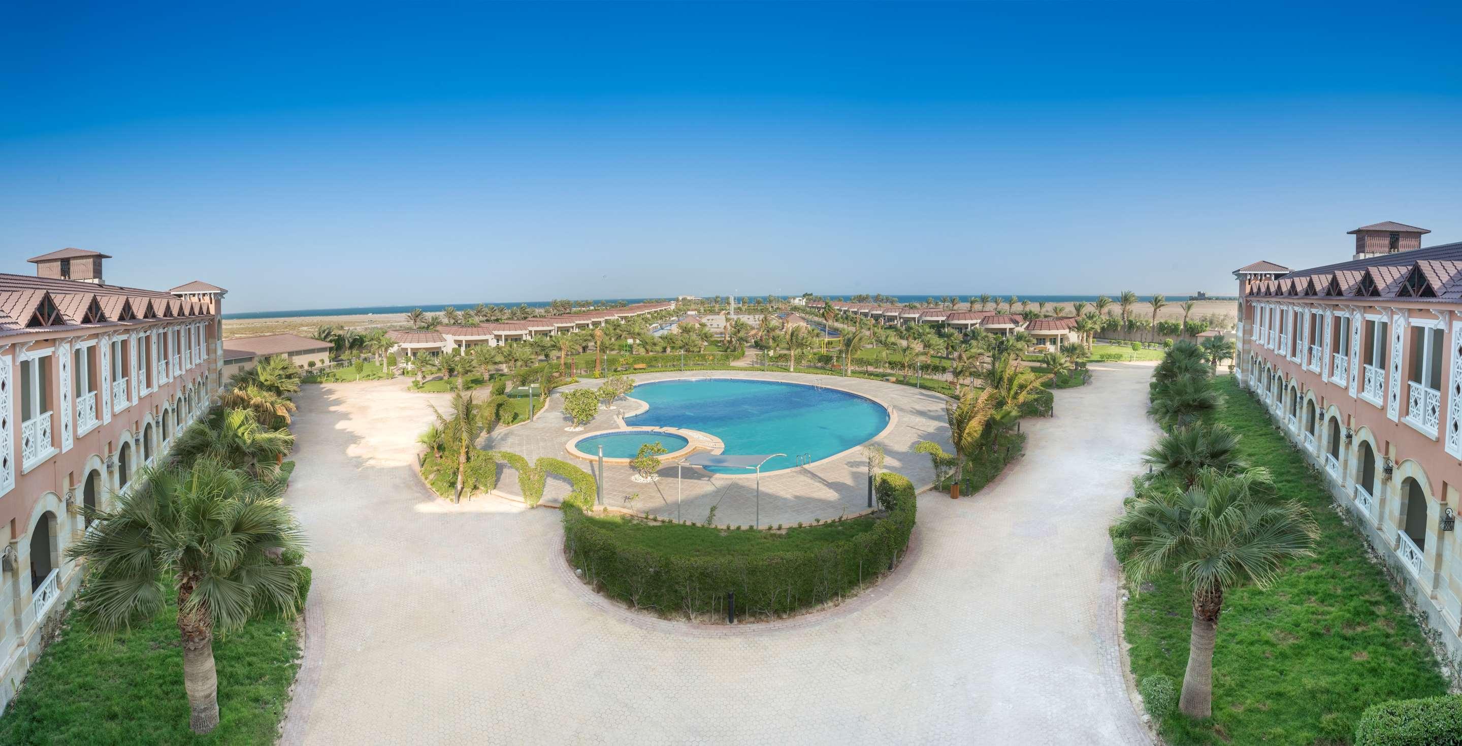 فندق في الخبر منتجع راديسون بلو الخبر شاطئ نصف القمر